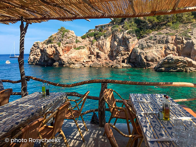 Daily Fresh Fish And Dream Views In Cala Dei MaksyBoats