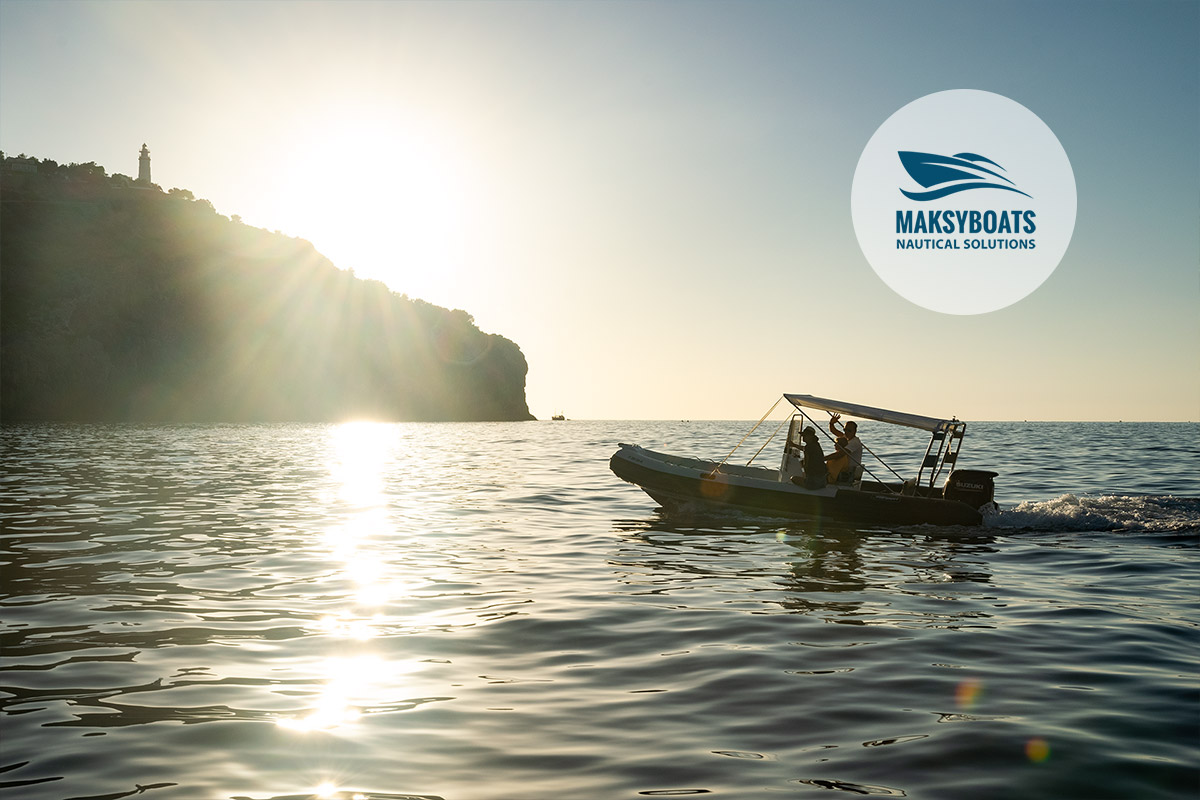 maksyboats-boat-hire-port-soller-lighthouse-mallorca