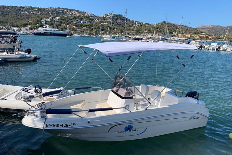 Boat charter without licence in Port d'Andratx - Pacific Craft 500