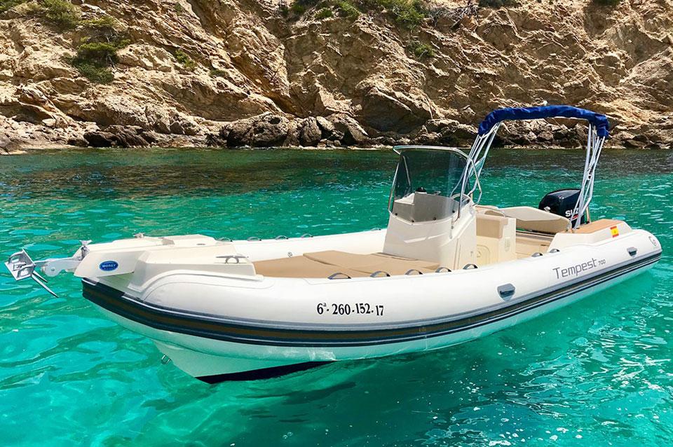 barco-con-licencia-andratx-12-pax-capelli