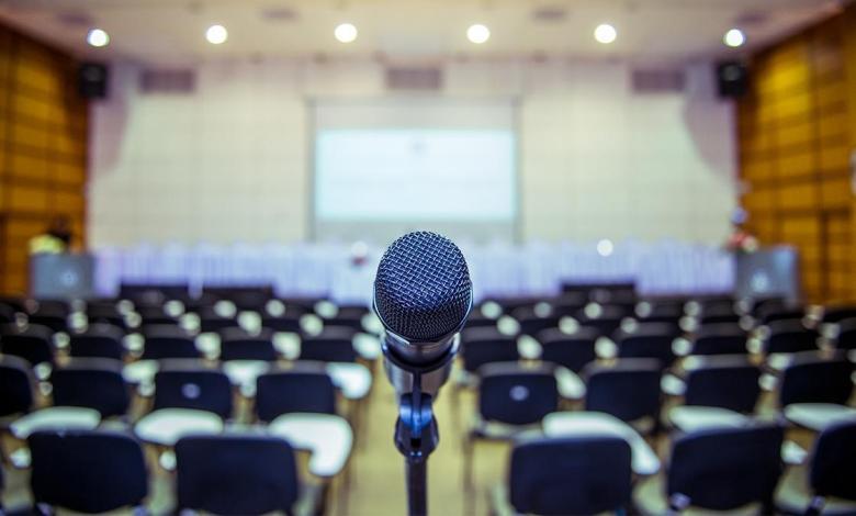 طرق تساعدك لتصبح متحدثاً عاماً