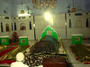 Grave of Khwaja Muhammad Masoom Sirhindi 2