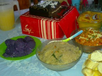 my tita's b-day afternoon snack.