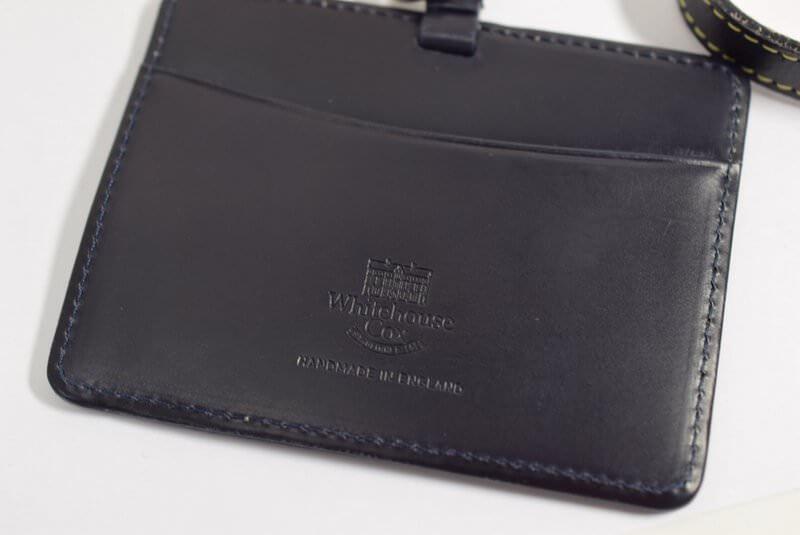 ホワイトハウスコックスのIDカードケースの背面