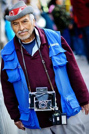Simon Gomez, 40 anos trabajando como fotografo...  Creador de la siguiente foto:  http://www.ailukewitsch.com/Travel/Mexico/15052797_ZeGnE#1124497325_CfQxx-XL-LB