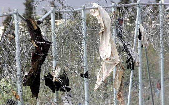 La Defensora del Pueblo dice que Interior rechaza retirar las concertinas de la valla de Melilla
