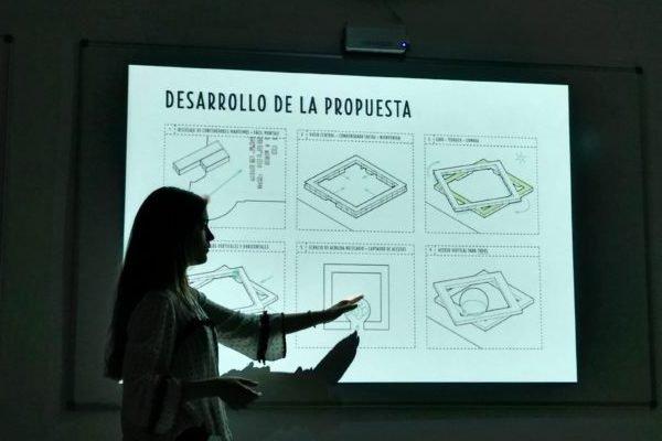 Estudiantes de Arquitectura proponen un centro de primera acogida digno en el Puerto