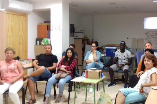 Cine y una excursión para despedir el curso de español en Torre del Mar