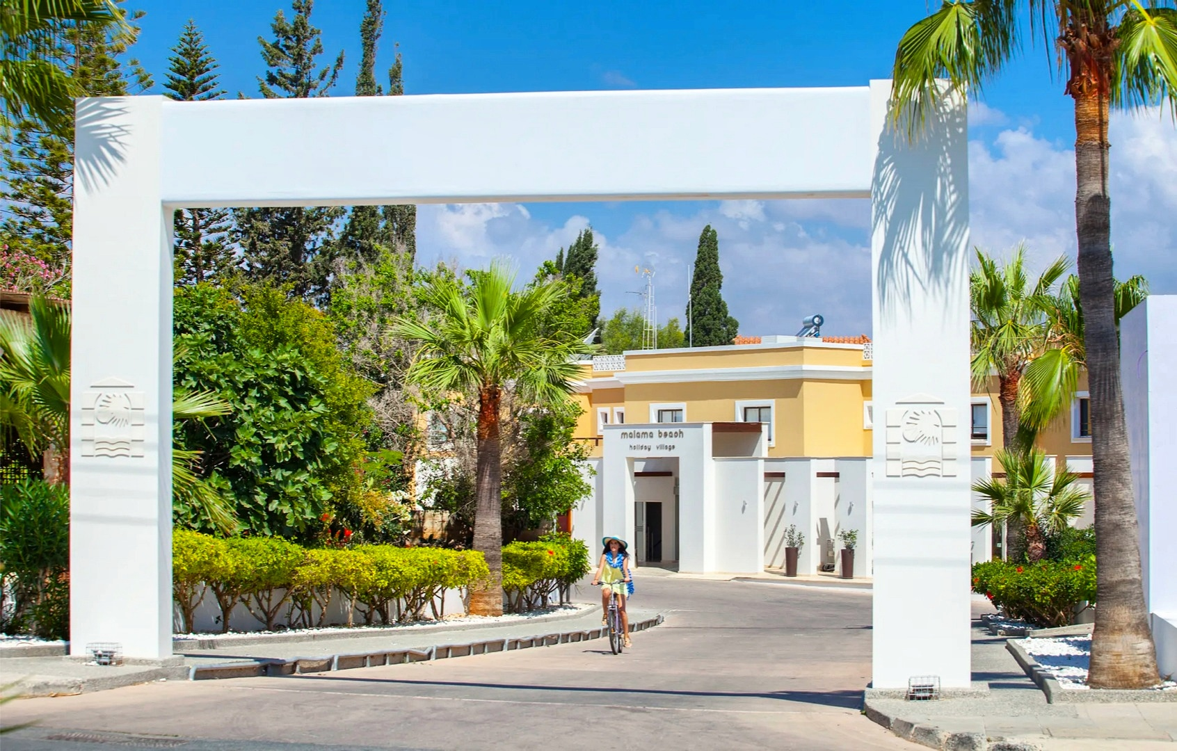 Malama Beach Holiday Village - Entrance