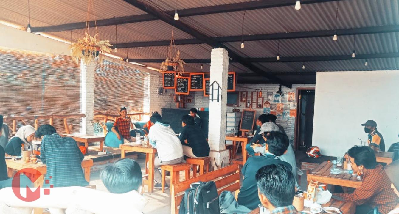 Foto : Budi Kriwianto, DPRD Kab Malang dalam diskusi publik gmni