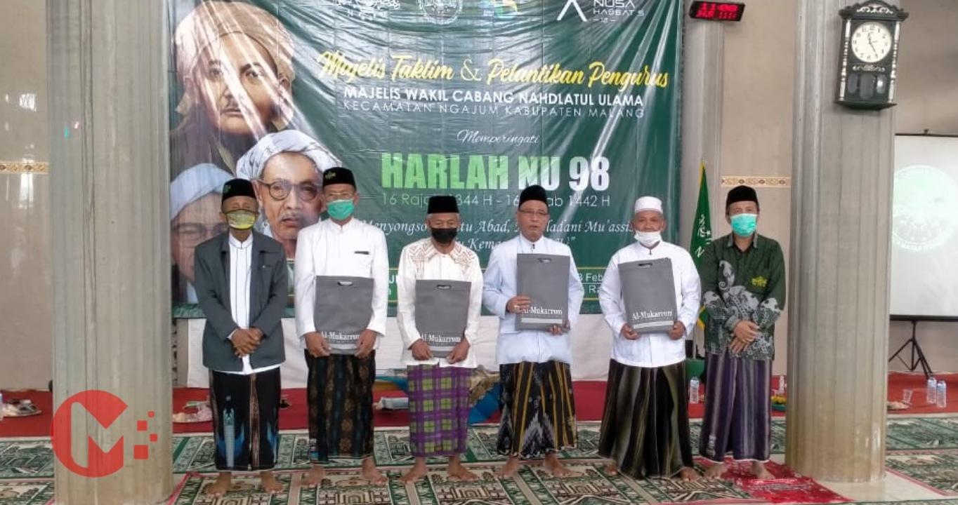 Foto : Pengurus MWCNU Ngajum dilantik