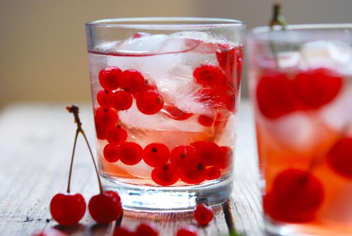 Napoje chłodzące - porzeczki, wiśnie i lód 462
