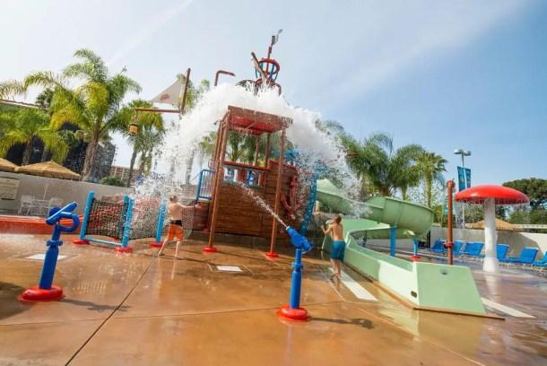 Hotel com parque aquático em Anaheim