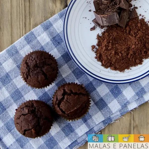 Double Chocolate Muffins - massa de chocolate com pedaços de chocolate
