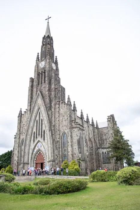 Igreja de pedra em Canela