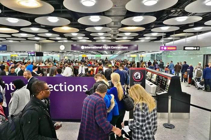 Área de conexões internacionaisEQRoy / Shutterstock.com