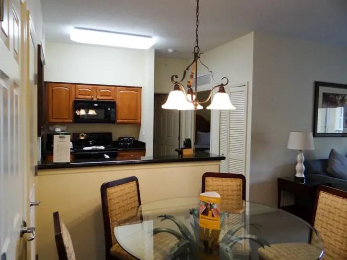 Cozinha do apartamento do Lake Buena Vista Resort em Orlando