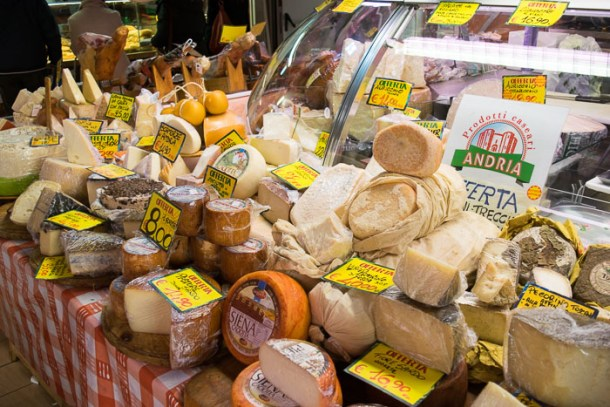 Mercato Trionfale Roma - Where to eat in Rome on a budget | Travel Cook Tell
