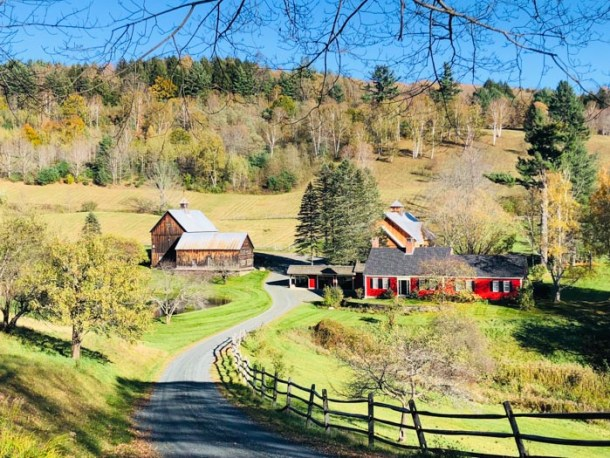 20 Great Places to Take Pictures in New England - Sleepy Hollow Farm, Pomfret, Vermont | Travel Cook Tell