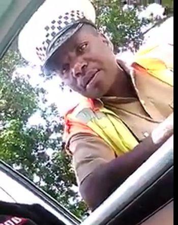 Corrupt Malawi Police Officer demands bribes