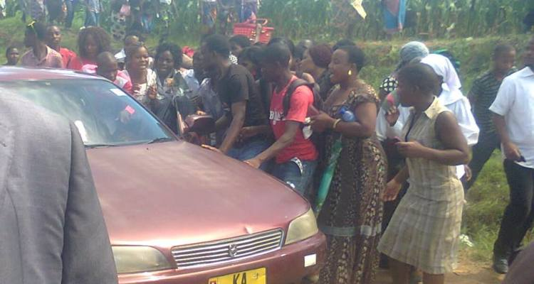 Drama at Grace Chinga burial