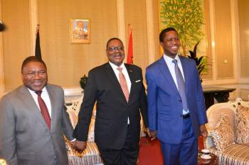 Malawi President Peter Mutharika (C) with Mozmbique's   Fillipe Nyusi (L) and Zambia's Edgar Lungu (R) also talked about peace during a previous meeting. (File)