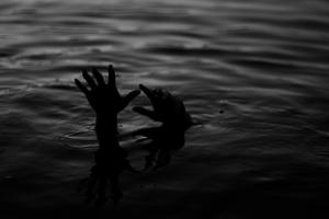 Drowning Malawi