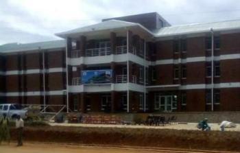 LUANAR hostel