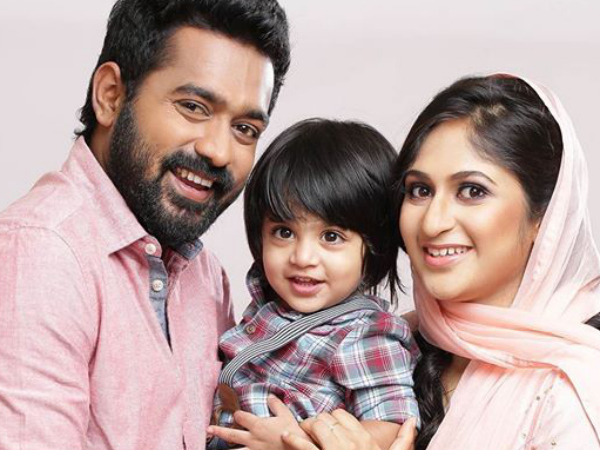 asif ali and family