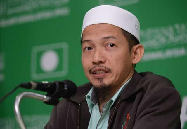Nik Abduh ucap tahniah pada Anwar