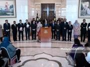 Perdana Menteri, Tun Dr Mahathir Mohamad (tengah) bersama menteri-menteri kabinet bercakap pada sidang media selepas Mesyuarat Jemaah Menteri di Bangunan Putra Perdana, Putrajaya. foto SYAFIQ AMBAK, 30 MEI 2018