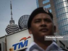 Telekom Malaysia Bhd (TM) muncul kaunter ketiga paling rugi di Bursa Malaysia pagi ini berikutan laporan media bahawa harga perkhidmatan jalur lebar Malaysia dijangka susut sekurang-kurangnya 25 peratus menjelang akhir tahun ini.