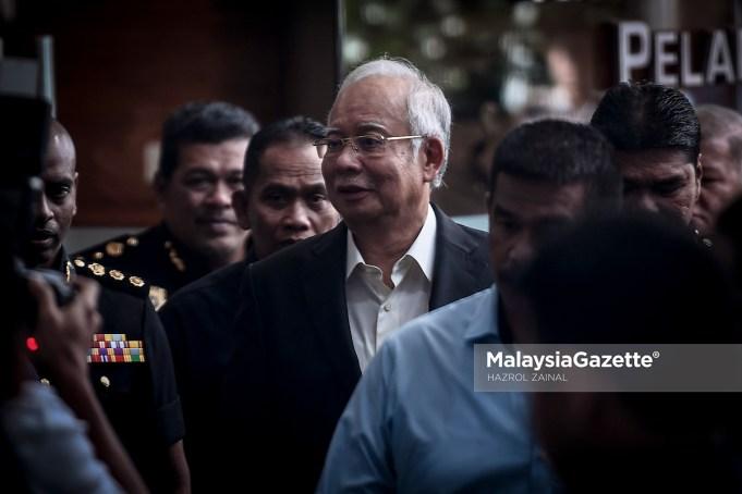 Bekas Perdana Menteri, Datuk Seri Najib Tun Razak hadir di Ibu Pejabat Suruhanjaya Pencegahan Rasuah Malaysia (SPRM) bagi memberi keterangan kali kedua berhubung siasatan kes SRC International Sdn. Bhd di Putrajaya. foto HAZROL ZAINAL, 24 MEI 2018.