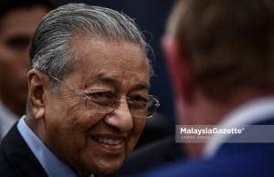 Perdana Menteri Tun Dr Mahathir Mohamad tiba di Lapangan Terbang Antarabangsa Don Mueang, Bangkok hari ini untuk memulakan lawatan dua hari ke Thailand.
