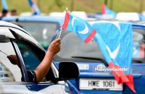PKR tidak akan mempertimbangkan untuk menerima bekas pemimpin UMNO untuk menyertai parti itu walaupun sudah ada permintaan daripada beberapa pemimpin parti berkenaan, kata presidennya, Datuk Seri Anwar Ibrahim.