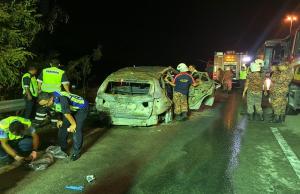 Sekurang-kurangnya dua individu rentung selepas kenderaan jenis BMW yang dinaiki mereka terbabas sebelum terbakar dalam kejadian di Km6.9 Lebuhraya SILK menghala Sungai Long, Kajang dekat sini petang tadi.