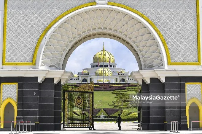 Conference of Malay Rulers Perikatan Nasional government crisis Mohamad Hasan Istana Negara Al-Sultan Abdullah Yang diPertuan Agong Parliament sitting