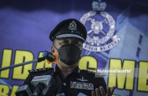 The Bukit Aman Commercial Criminal Investigation Department Director, Datuk Mohd Kamarudin Md Din at a news conference on the success of toppling the Fly by Night syndicate that is involved in the vehicle spare parts scam at the Jinjang Police Station in Kuala Lumpur. PIX: HAZROL ZAINAL / MalaysiaGazette / 28 SEPTEMBER 2021 JPN IRB data leak break 4 million Malaysians lowyat.net