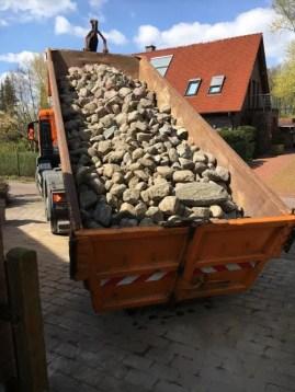 Steine für die Natursteinmauer