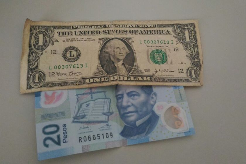 A 20 pesos por dólar