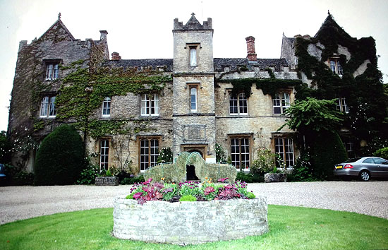 manor at weston on the green