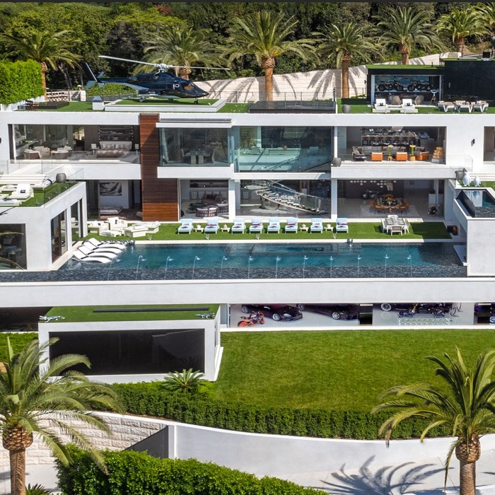 Luxury Resort Home in West LA. 924 Bel Air Rd, Los Angeles, CA 90077