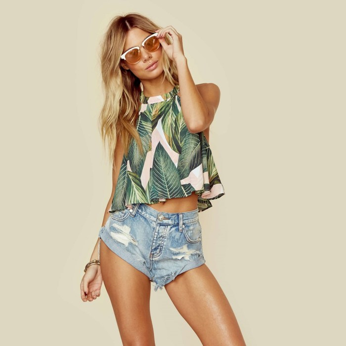 Show Me Your Mumu Tropical Palm Print Mateo Tie Back Top
