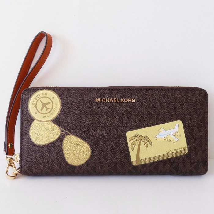 Michael Kors Fulton Travel Carryall Flap Wallet