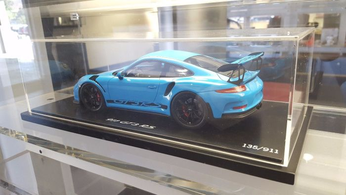 Porsche 911 GT3 RS Riviera Blue 1:18 Model Sports Car – Only 911 Made!