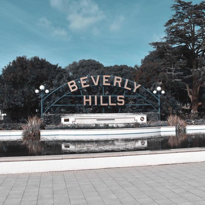Beverly Hills Sign & Fountain