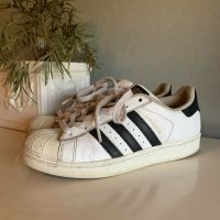 Adidas Superstar Mens Sneakers Size 6 - White with Black Stripes - Preowned Shoes
