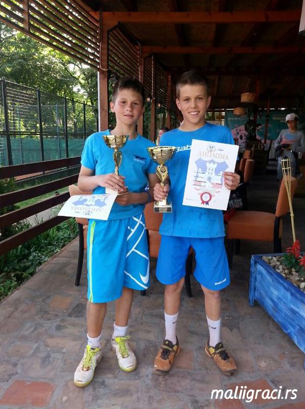 Nikola Jovanović i Bojan Radoman, finalisti Otvorenog prvenstva Beograda do 12 godina, Teniski klub Olimp Beograd