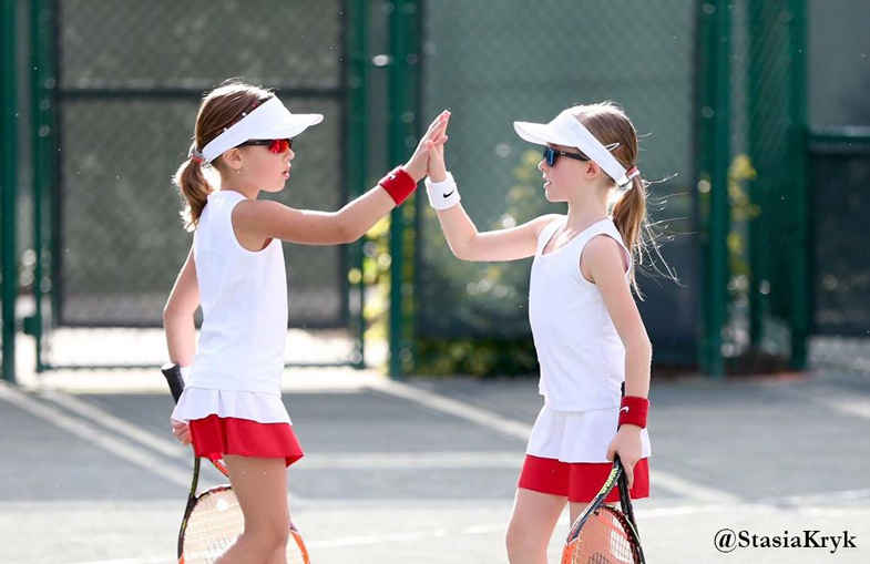 Kanađanke Stasia Kryk and Claire Podolsky during semi-final doubles at Little Mo Florida