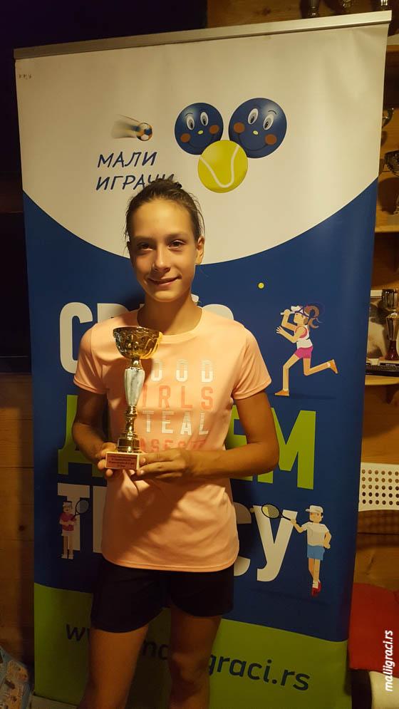 Mala teniserka Teodora Vlajić, Teniski klub Topako Beograd